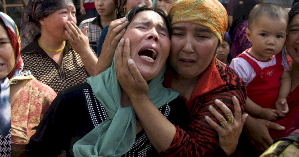 中國滅絕式鏟毀維吾爾文化傳統 新疆的母親怎能不淚崩?