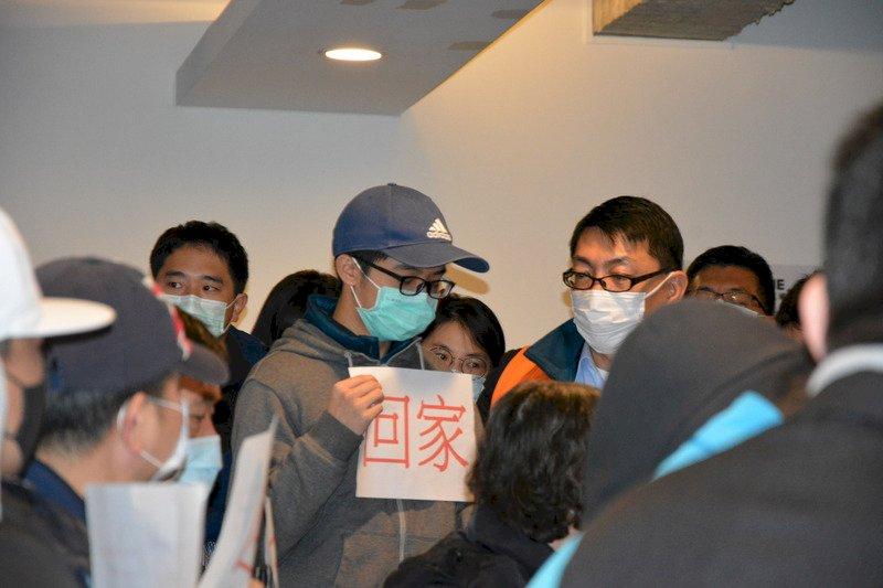 湖北省台辦:200多名台人近日包機返台