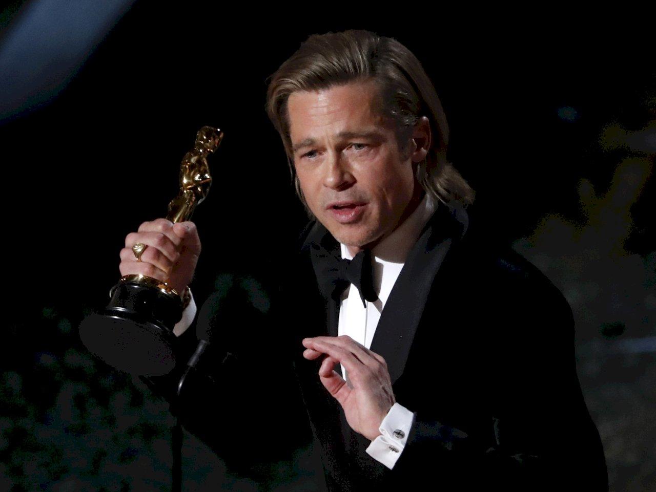 布萊德彼特生涯首座小金人 摘奧斯卡最佳男配角