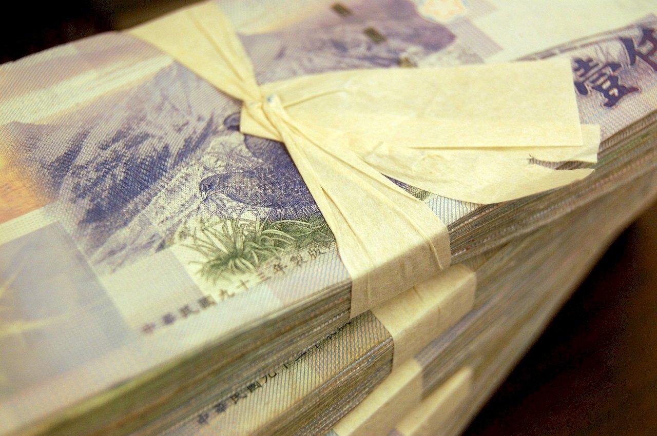 藍營建議每人普發1萬元紓困 蘇貞昌:錢要用在刀口上