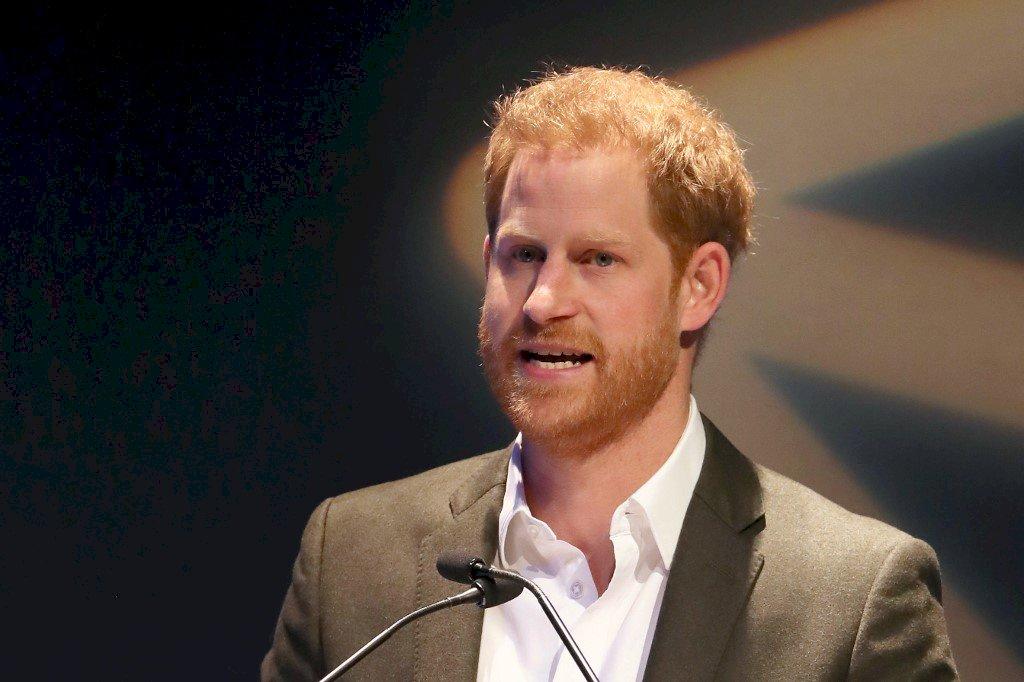 哈利王子返抵英國 參加祖父菲立普親王葬禮
