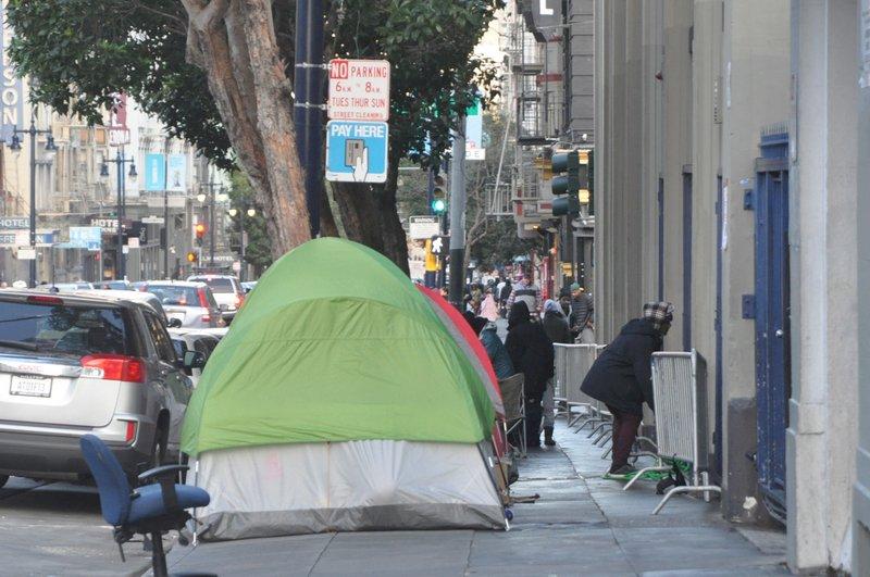 居民憂防疫破口提告 舊金山市府將移遊民帳篷