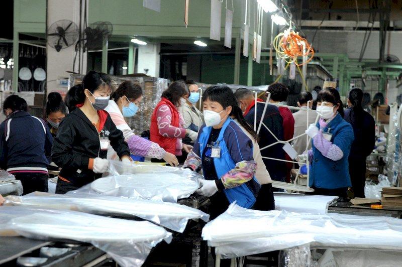 從缺工到缺訂單 美媒:中國工廠面臨大裁員壓力