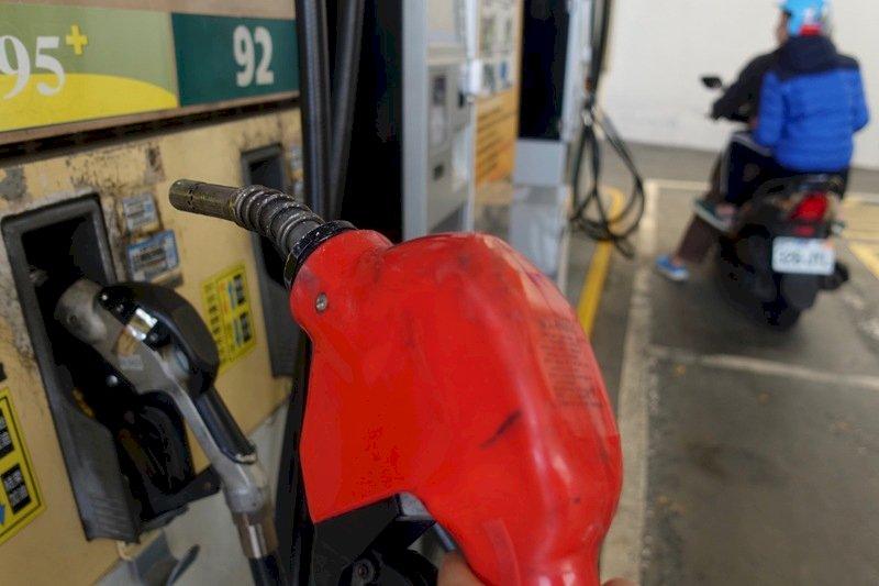 中油汽、柴油23日起各調降1.3及1.5元