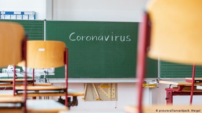 保護學生與奉命開學 疫情下全球教師的兩難
