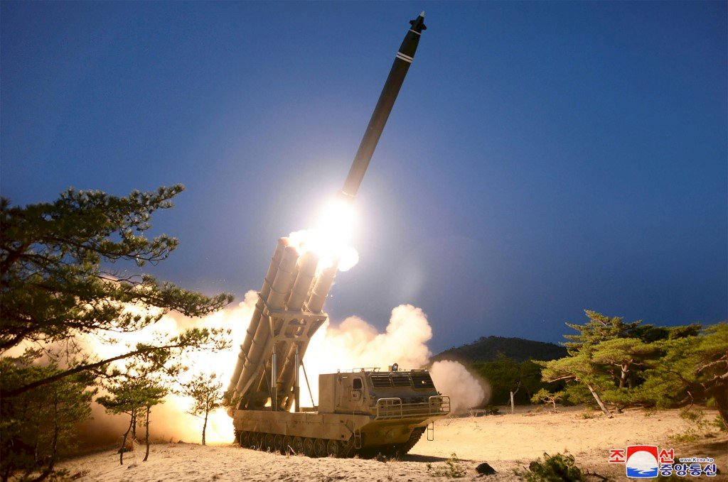 北韓證實發射超大型飛彈 武器型態改變引關注