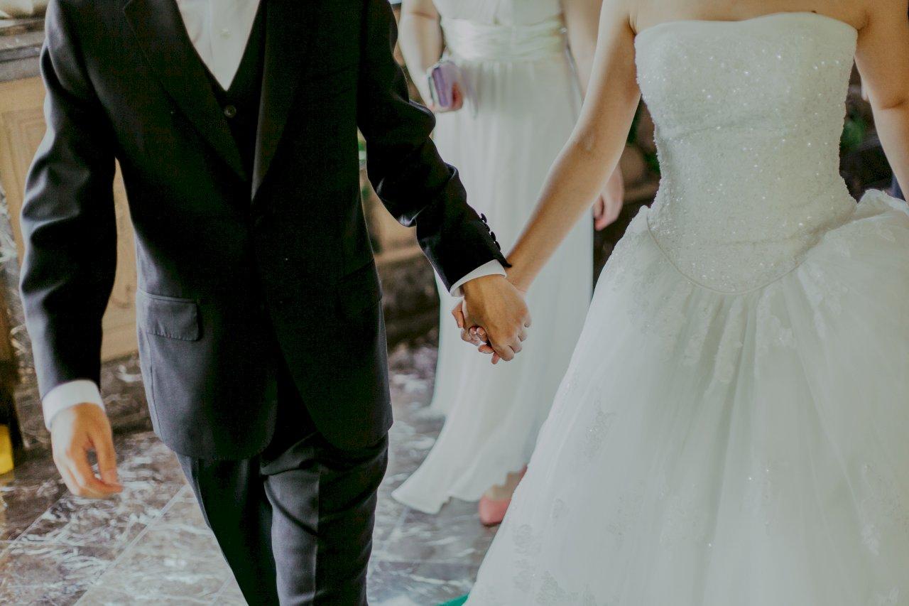 疫情影響 教師婚喪假可延長1年請畢