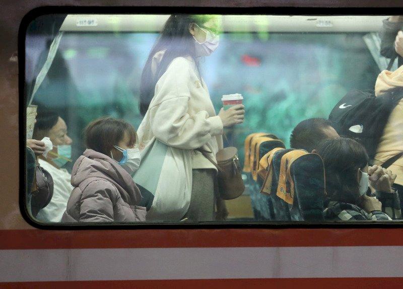 大眾運輸防疫加嚴方案 林佳龍:明天開會決定