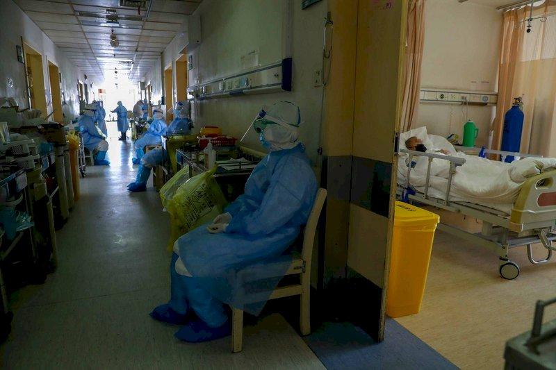 又一鐵證!英媒前進武漢,當地醫師透露早知會「人傳人」