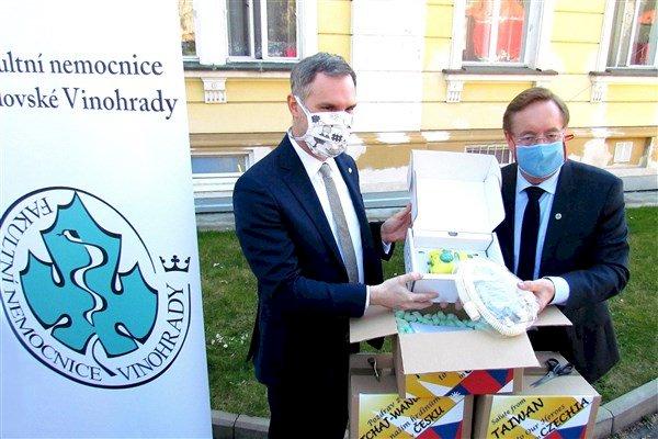 布拉格市長將台灣呼吸器轉交醫院 批中國隱瞞疫情