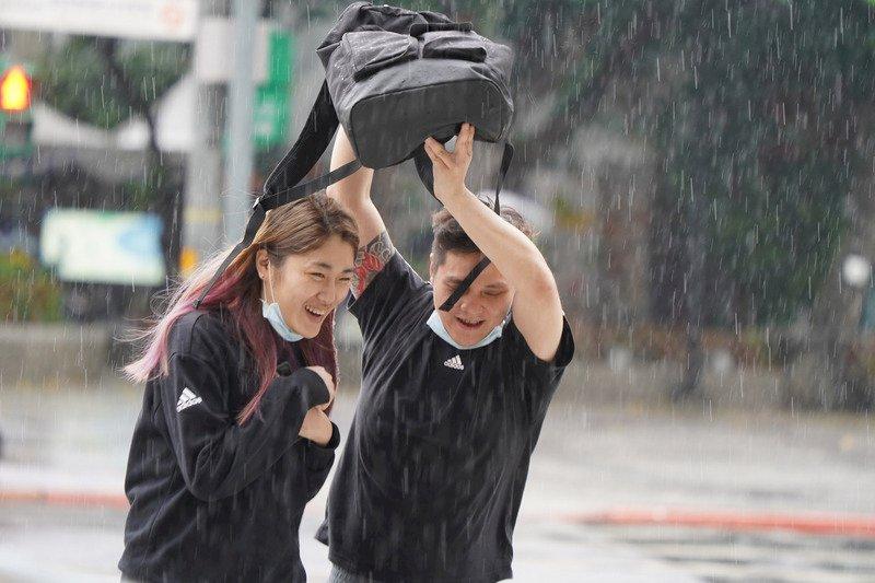 對流旺 午後降雨逾千萬公噸水量