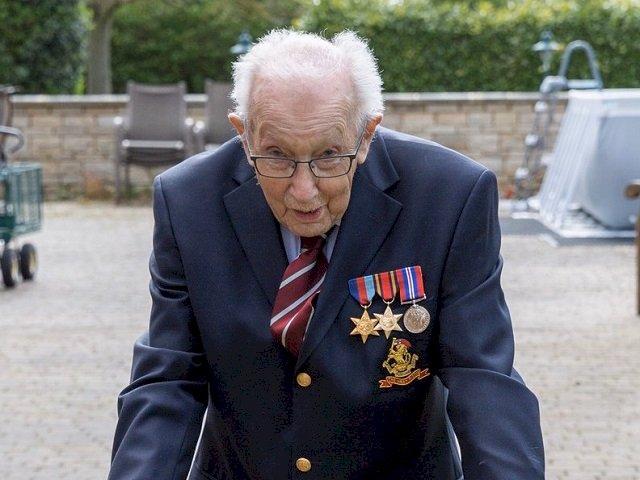 英國抗疫國民英雄 二戰老兵今歡度百歲