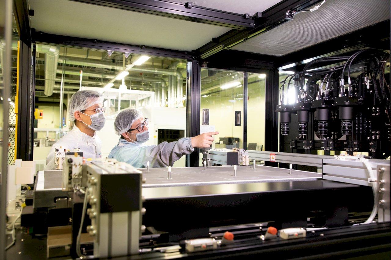 國研院攜手工具機大廠上銀 大型薄膜太陽能板檢測1分鐘搞定
