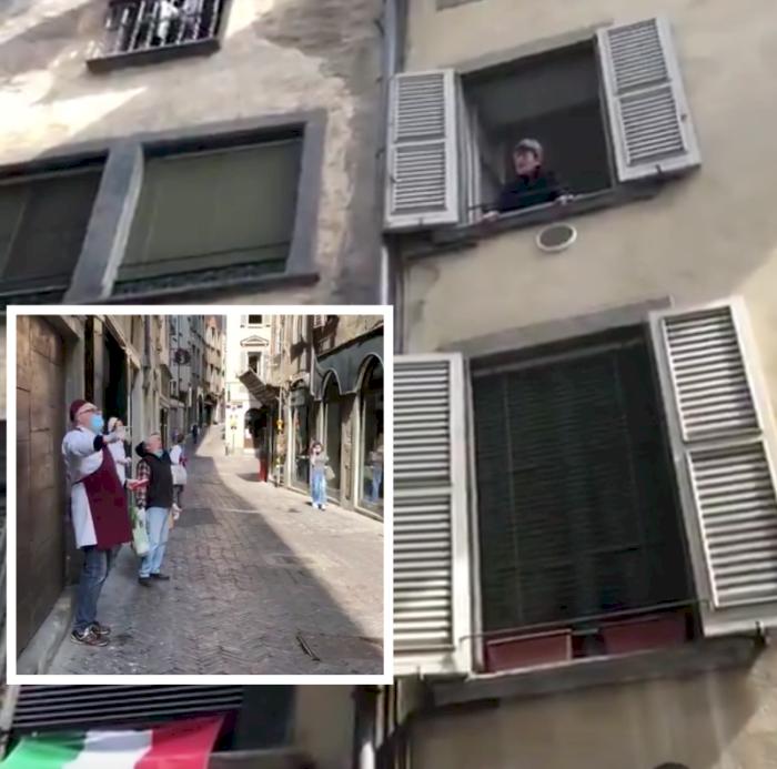 封城不忘解放日 義大利人窗台齊唱反法西斯歌曲