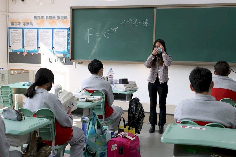 中國義務教育也要國進民退 數百萬師生面臨分流