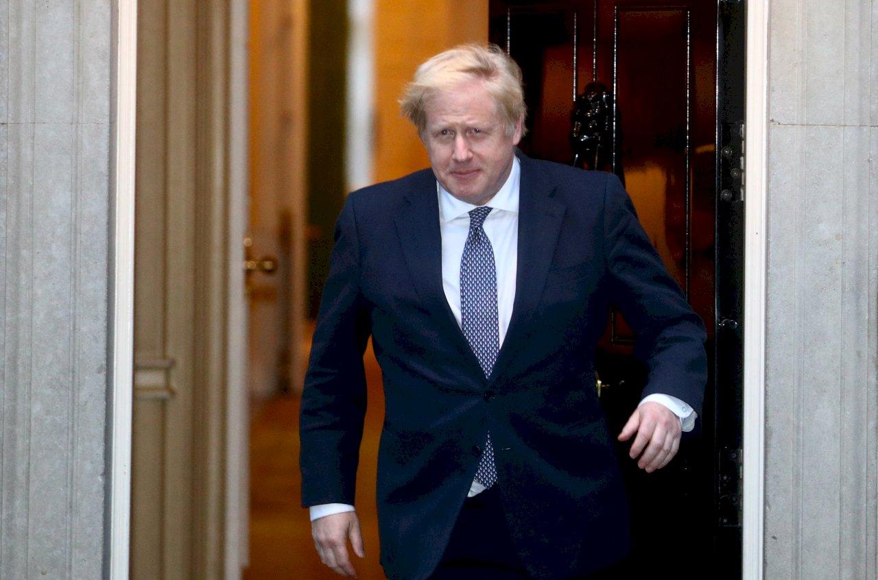 中國通過港區國安法 英國首相批侵犯香港自治