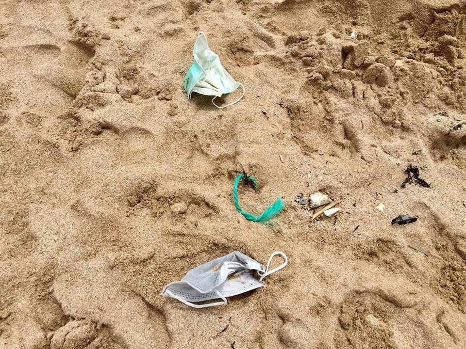 廢棄口罩釀環保危機 丟棄、回收成全球難題(影音)