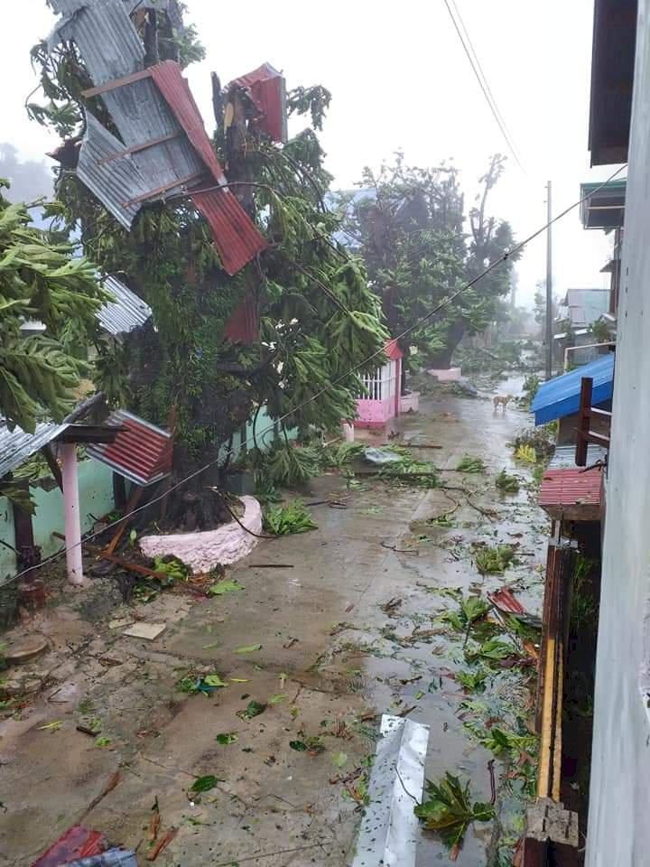 颱風黃蜂肆虐菲律賓 民眾避難還要保持社交距離