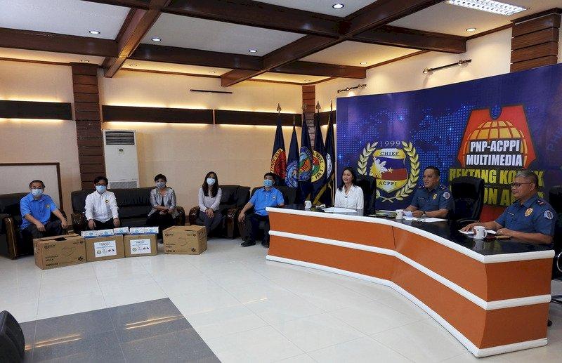 菲律賓地方警長主持直播 介紹台商捐口罩善舉