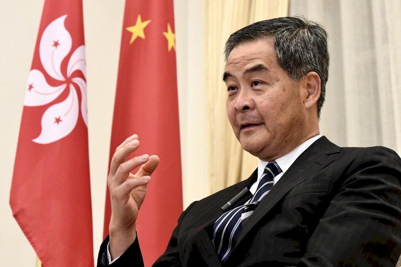 梁振英:反對派莫低估中央處理香港問題決心