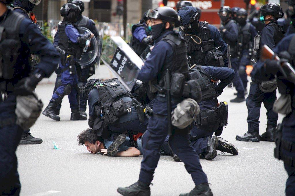 國安法施行後首次上街 香港多人被捕(影音)