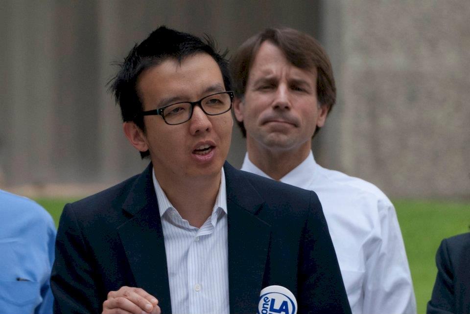 川普廢香港特殊待遇 在美港人:給習的最後警告