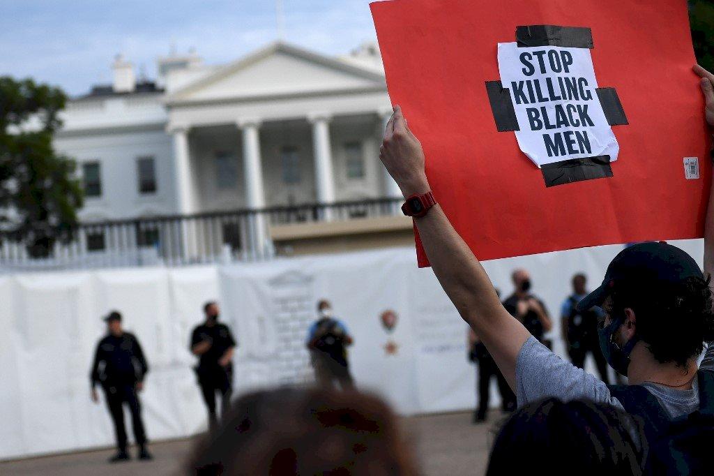 非裔之死抗議潮燒到華府 白宮一度緊急封鎖