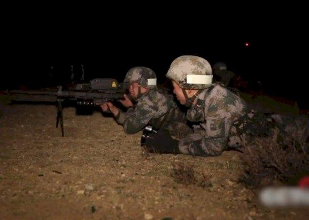 中印紛爭再起 西藏軍區夜間演習