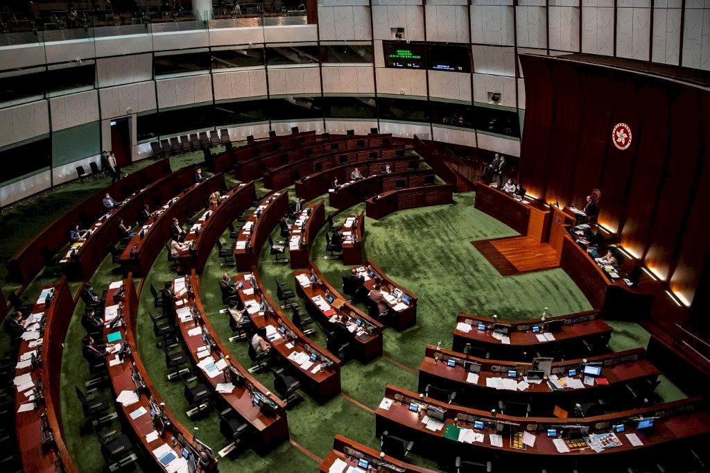 港媒:200名泛民區議員可能遭褫奪議席