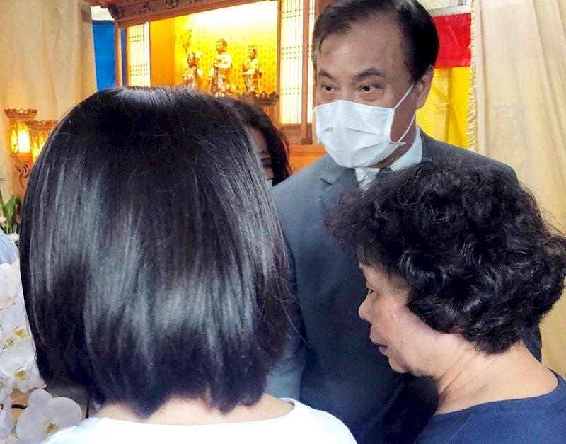 鐵路警察李承翰父親逝世 府祕書長蘇嘉全代表總統致意