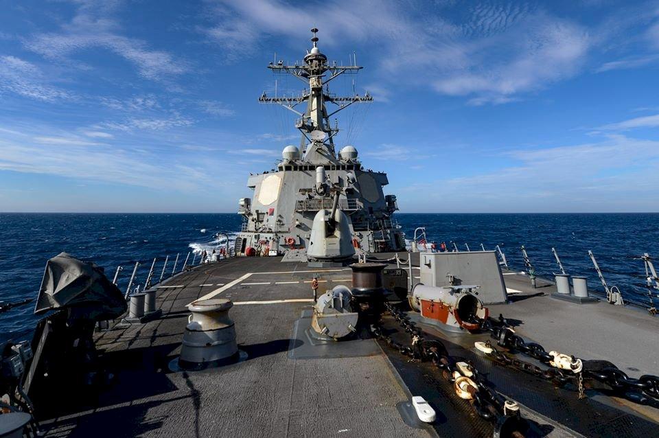 六四週年 美軍艦通過台灣海峽