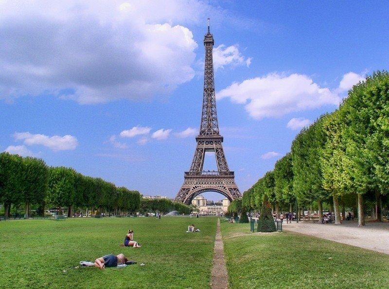 憂暴力 巴黎週末為佛洛伊德之死示威遭禁