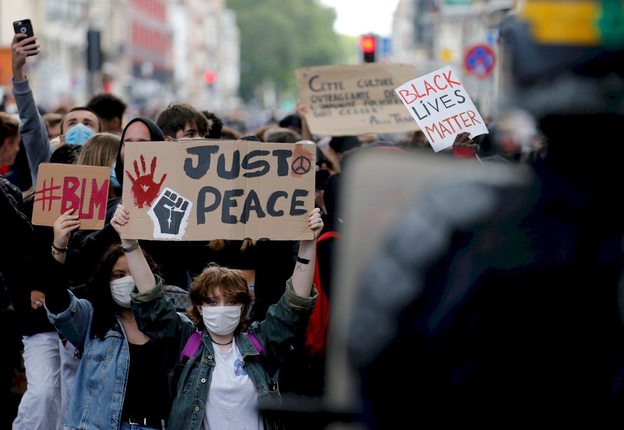 巴黎不顧集會禁令 串聯全球聲討制度性歧視