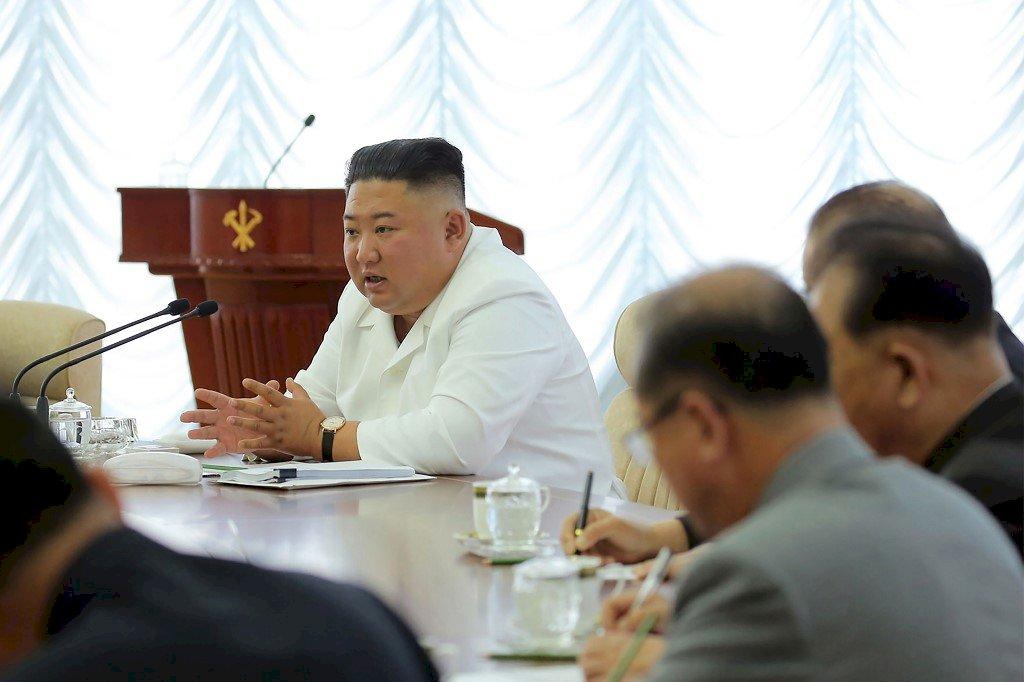 北韓官媒:金正恩暫停對南韓採軍事行動計畫