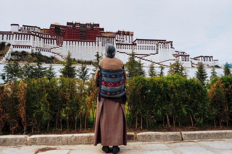 深受高山症之苦 Johny缺氧的西藏行
