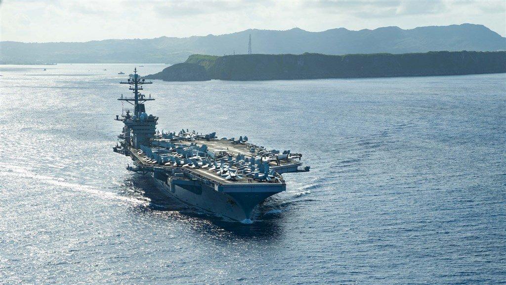 美海軍罕見出動兩航母打擊群 菲律賓海聯合演習