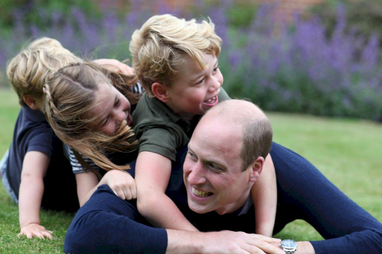 英國威廉王子38歲生日 IG分享溫馨親子照