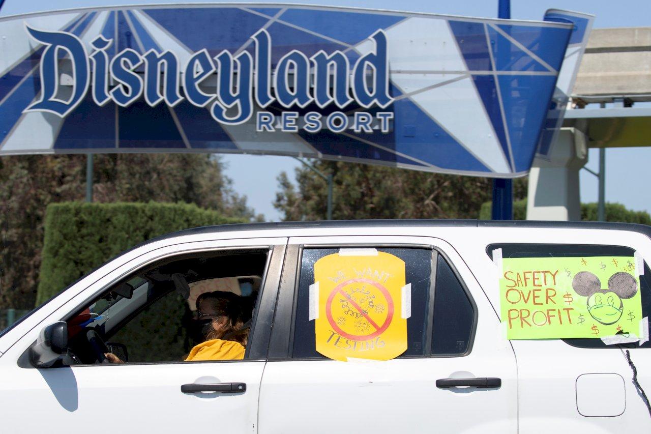 憂重啟防疫不足 加州迪士尼員工群起抗議