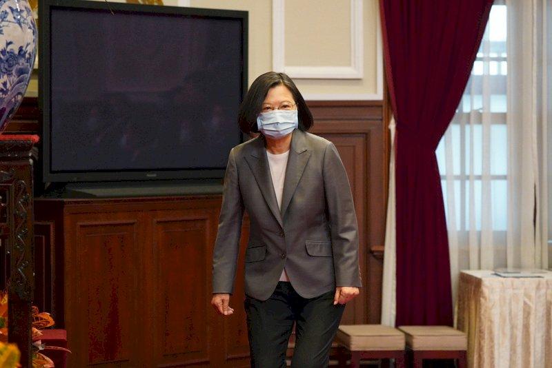 駁內閣改組傳聞 蔡總統力挺:衝衝衝,院長加油
