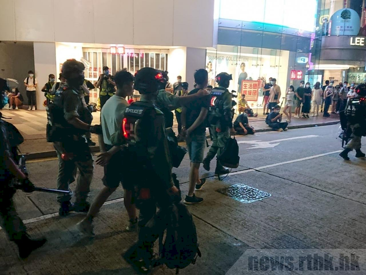 7/1香港警方逮捕300多人 9人涉違反港區國安法