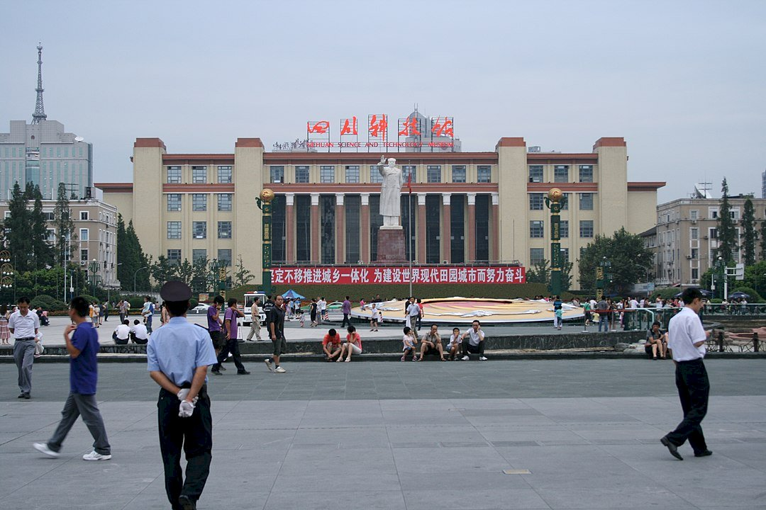 暴發戶的中國  最繁華也是最落後、殘忍的時代