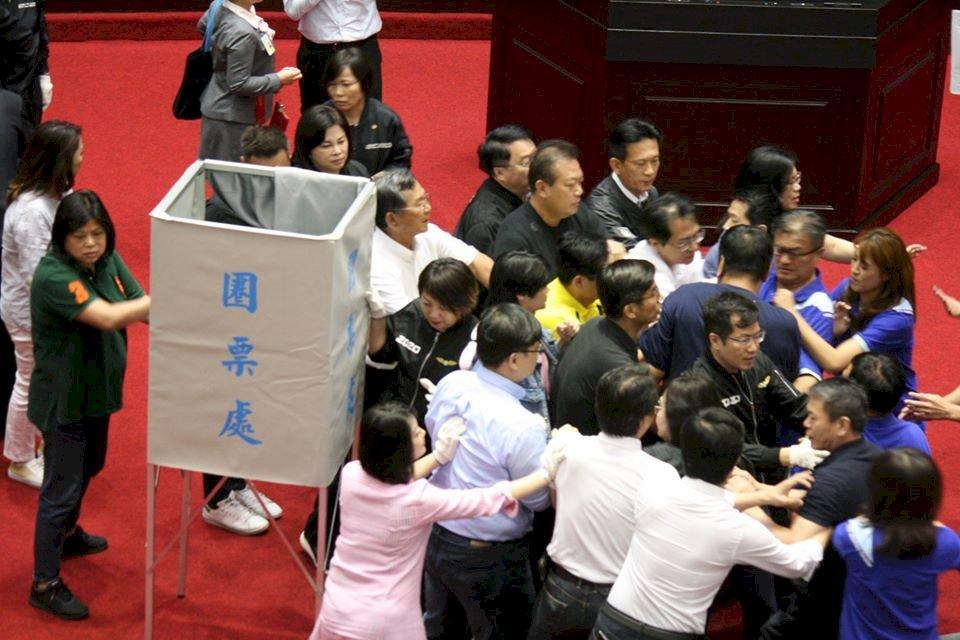 監委人事同意權投票在朝野衝突下登場 中午開票