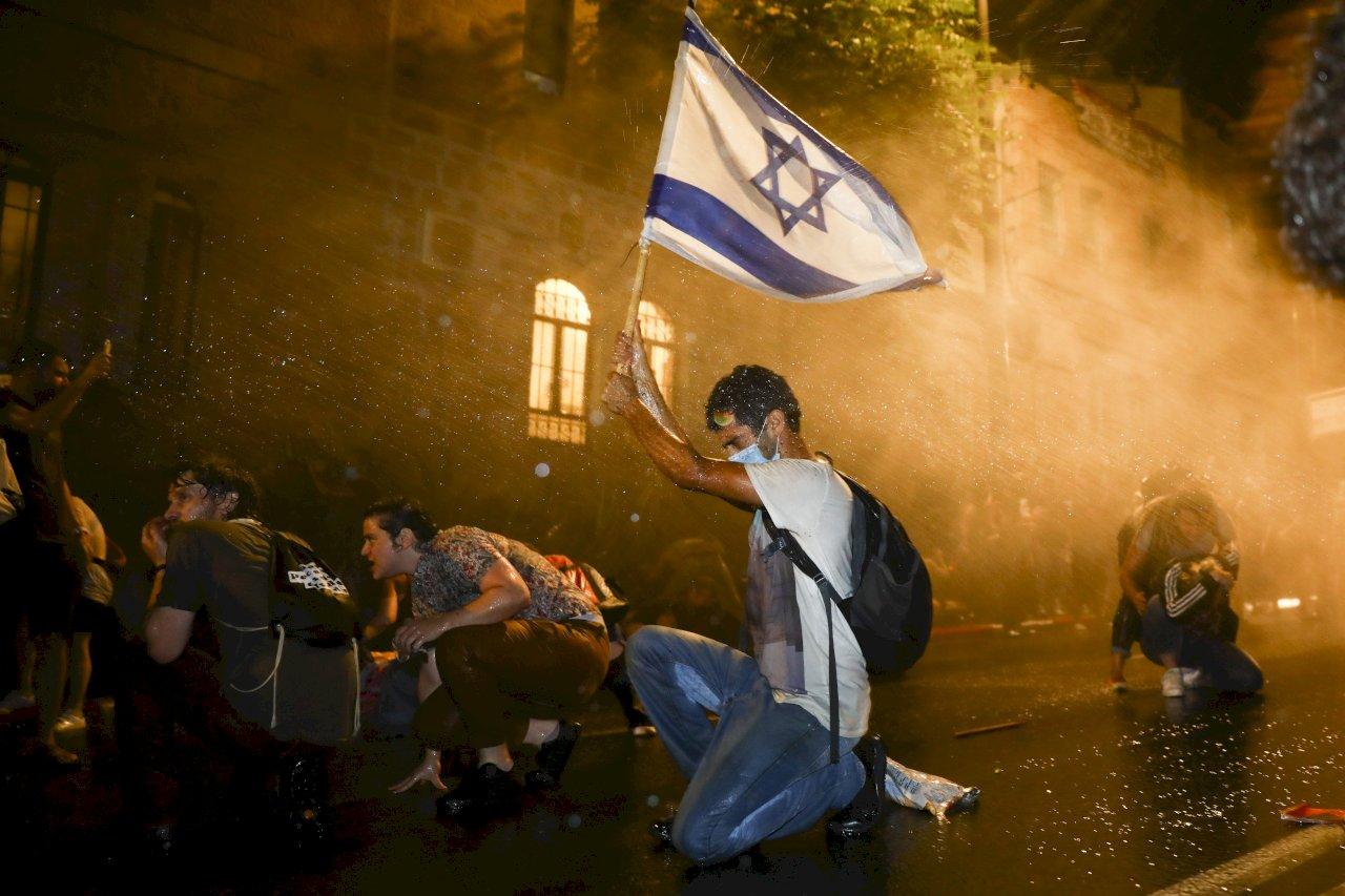不滿總理應對病毒危機及涉貪 以色列民眾示威抗議