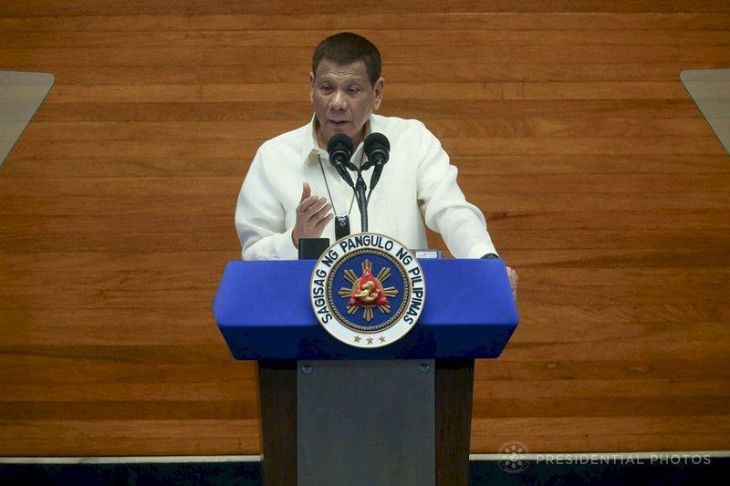 菲國護士遭拖欠津貼威脅集體辭職 杜特蒂下令付錢