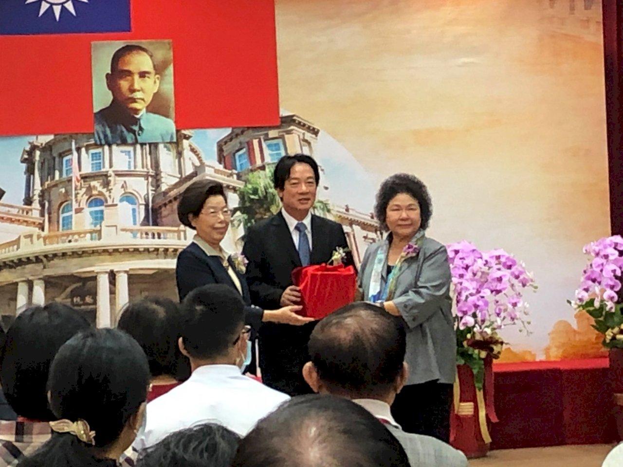 正式接掌監察院長 陳菊:責任重大、誠惶誠恐