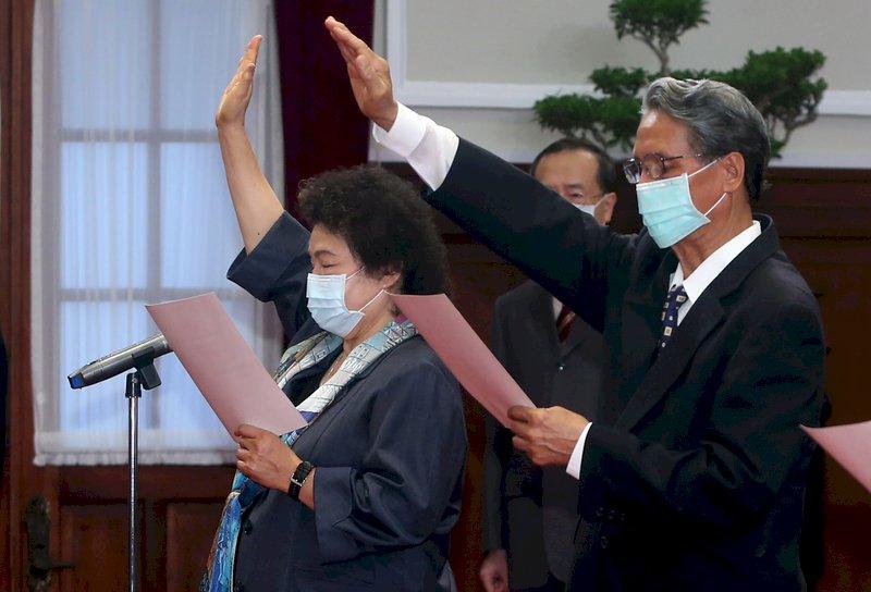 蔡總統監誓 監察院長陳菊完成宣誓