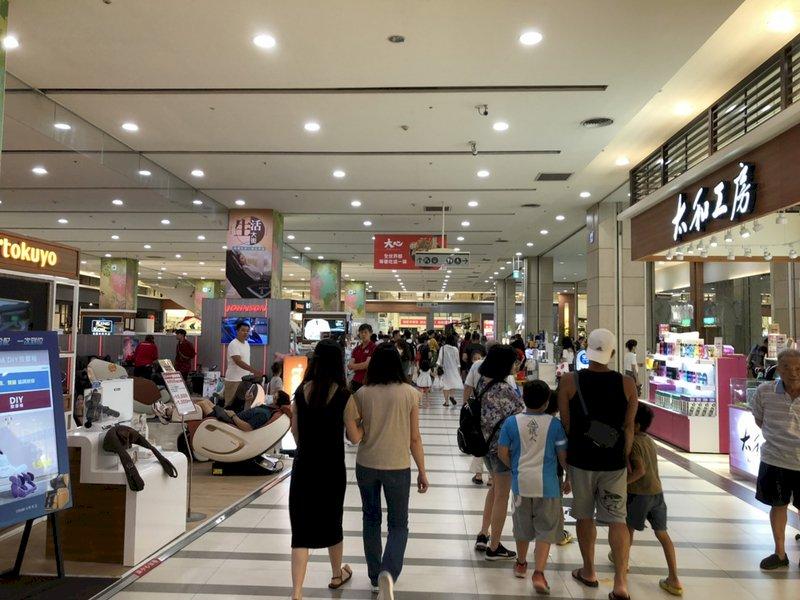 邊境管制讓消費留在台灣  零售業首季營業額可望破兆