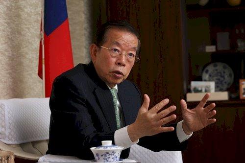 日媒專訪 謝長廷:台灣實行民主有利防疫