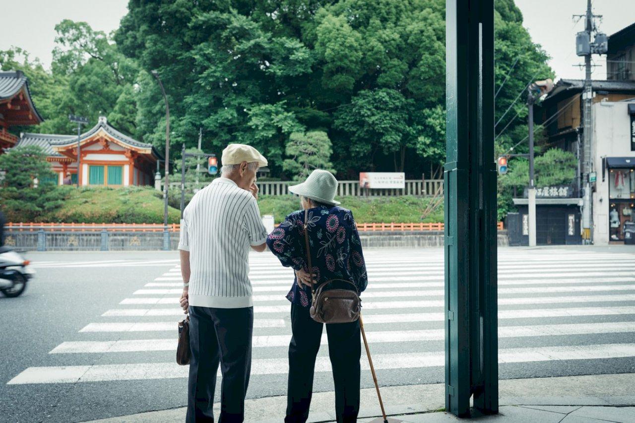 日本七成照護業者人手不足 12年來最糟