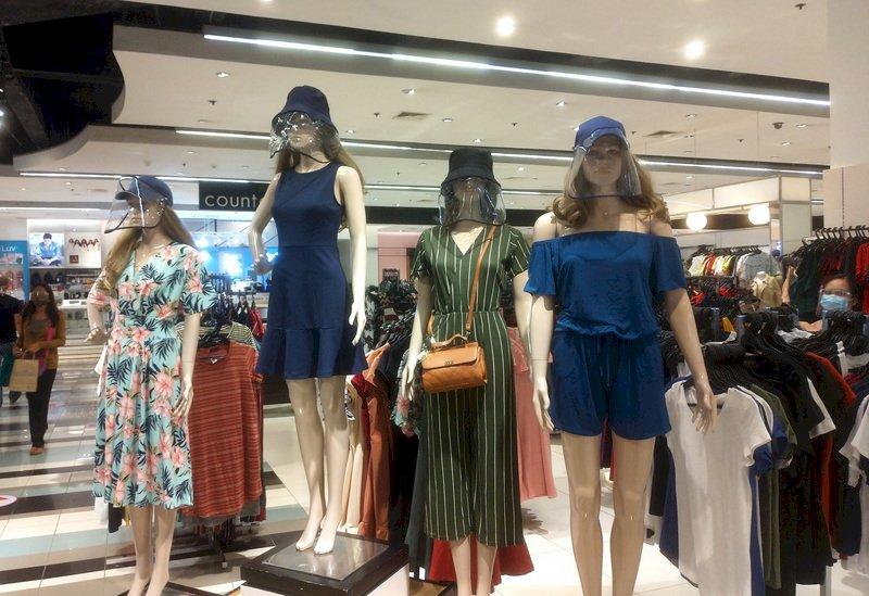 菲律賓新常態 進商場須戴防護面罩填資料